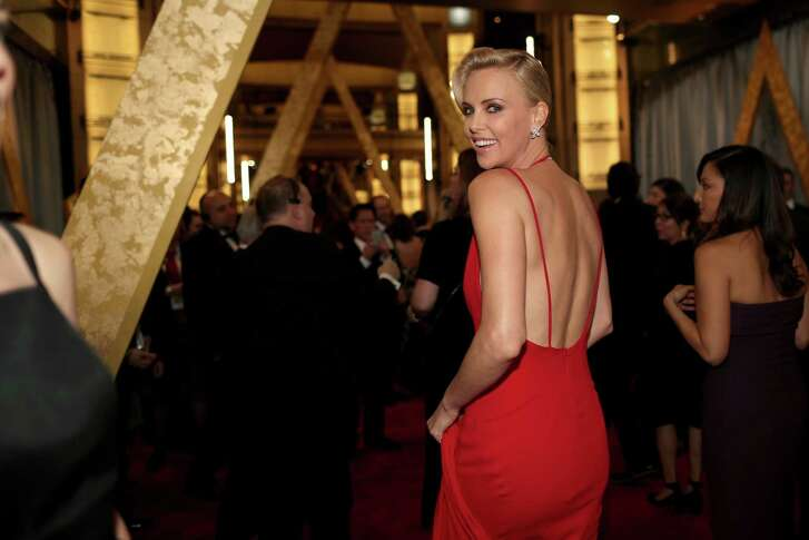 HOLLYWOOD, CA - FEBRUARY 28: Actress Charlize Theron attends the 88th Annual Academy Awards at Hollywood & Highland Center on February 28, 2016 in Hollywood, California.  (Photo by Christopher Polk/Getty Images)