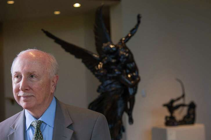 McNay Art Museum director Bill Chiego is leaving his post this week after 25 years at the museum.
