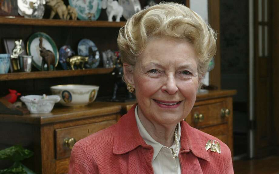 FILE Ñ Phyllis Schlafly, the Eagle Forum founder and conservative icon, at home in Ladue, Mo., March 20, 2006. Schlafly, whose grass-roots campaigns against communism, abortion and the Equal Rights Amendment made her one of the most controversial political figures of her day, died on Sept. 5, 2016. She was 92. (Stephanie S. Cordle/The New York Times) Photo: STEPHANIE S. CORDLE, NYT
