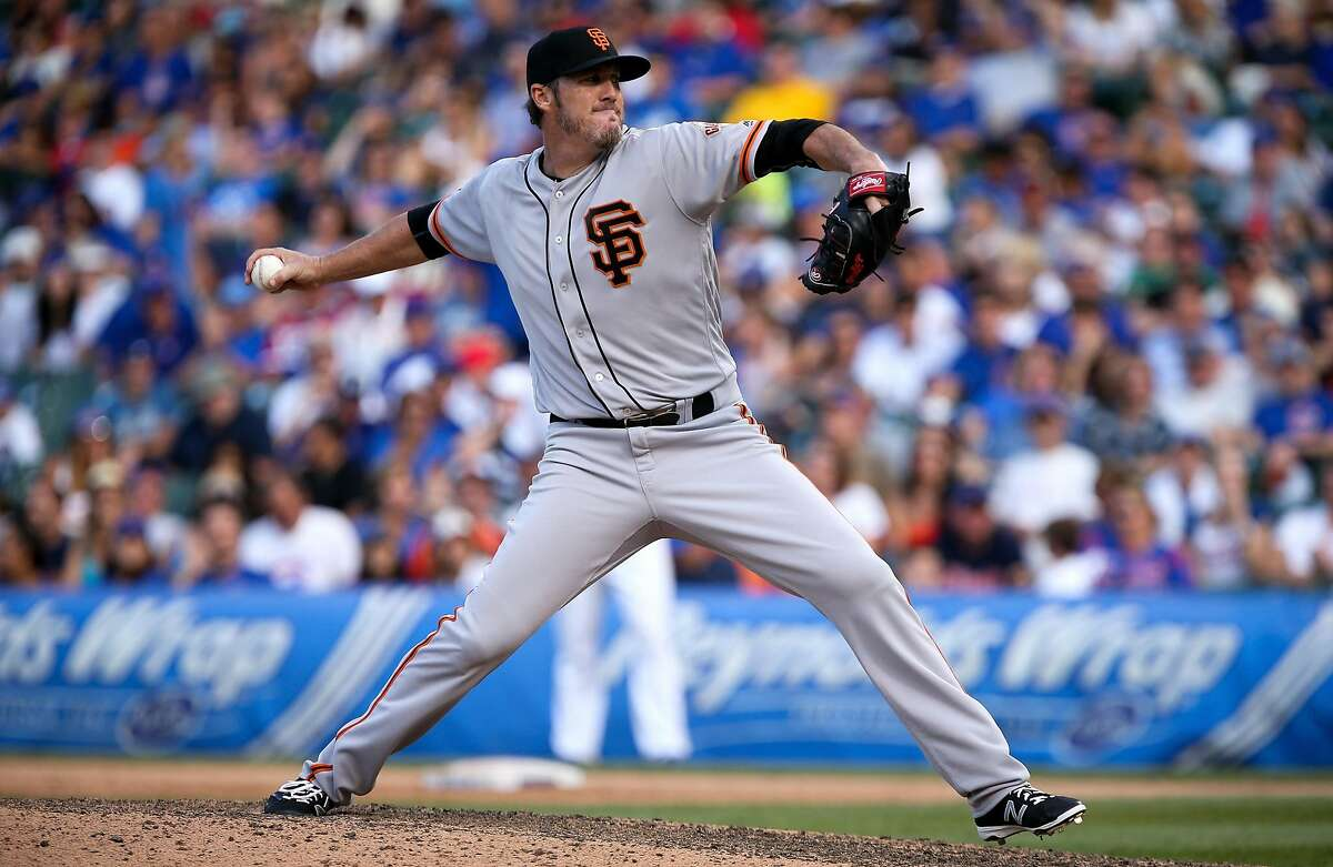 Joe Nathan #74 of the San Francisco Giants pitches in the twelfth inning against the Chicago Cubs at Wrigley Field on September 4, 2016 in Chicago, Illinois.