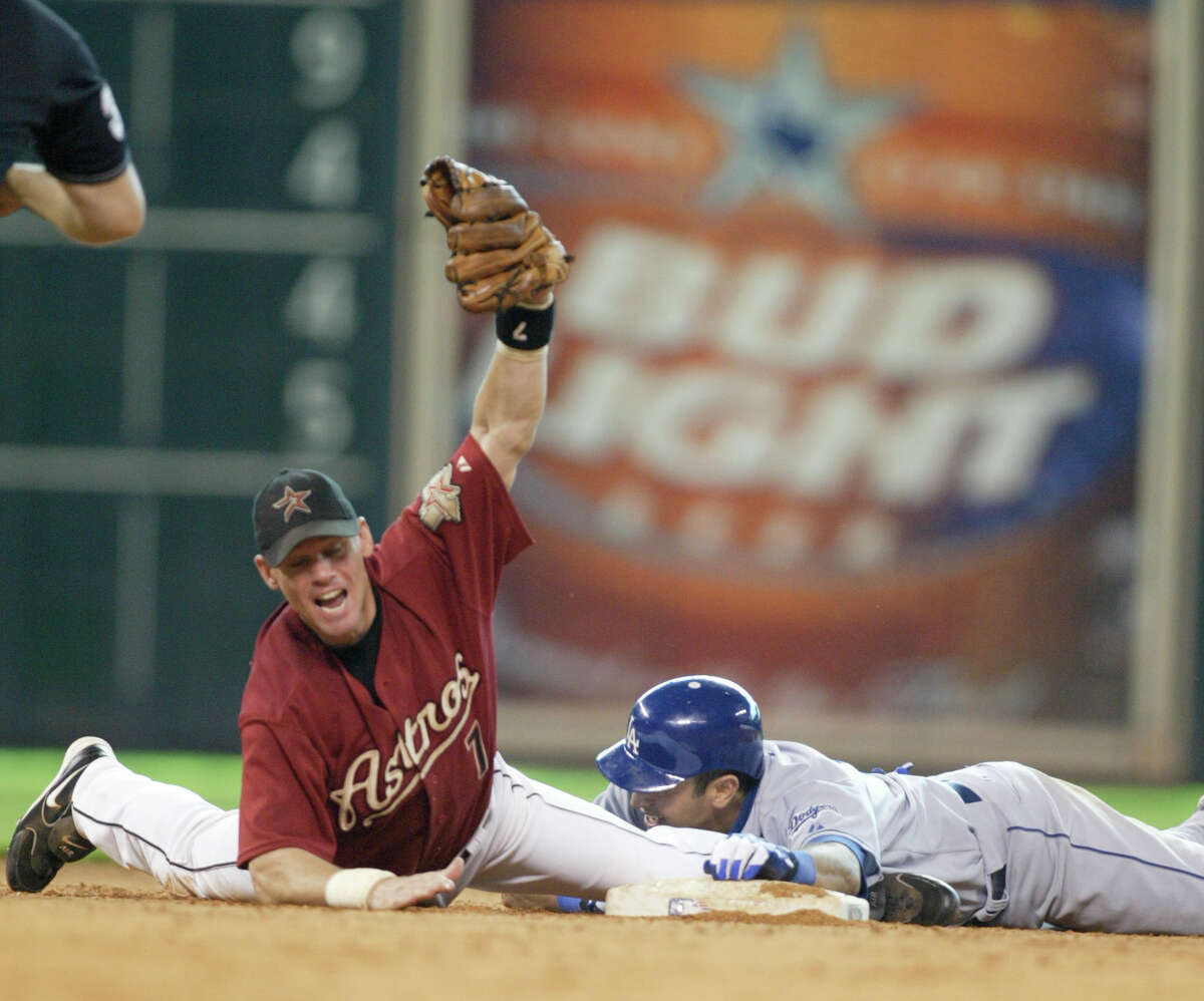 Craig Biggio screams out after getting the call from the umpire after tagging Oscar Robles out at second base on a throw from Willy Taveras after Robles tried to stretch a single into a double during the 9th inning of the Houston Astros-Los Angeles Dodgers, MLB game at Minute Maid Park, Sunday, July 10, 2005. (Karen Warren/Houston Chronicle)