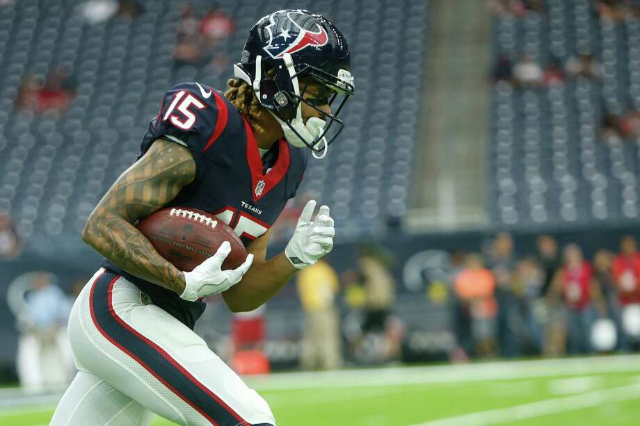 Will Fuller didn't play Sunday against the Jacksonville Jaguars due to a knee injury that prevented him from practicing fully last week. Photo: Brett Coomer, Staff / © 2016 Houston Chronicle