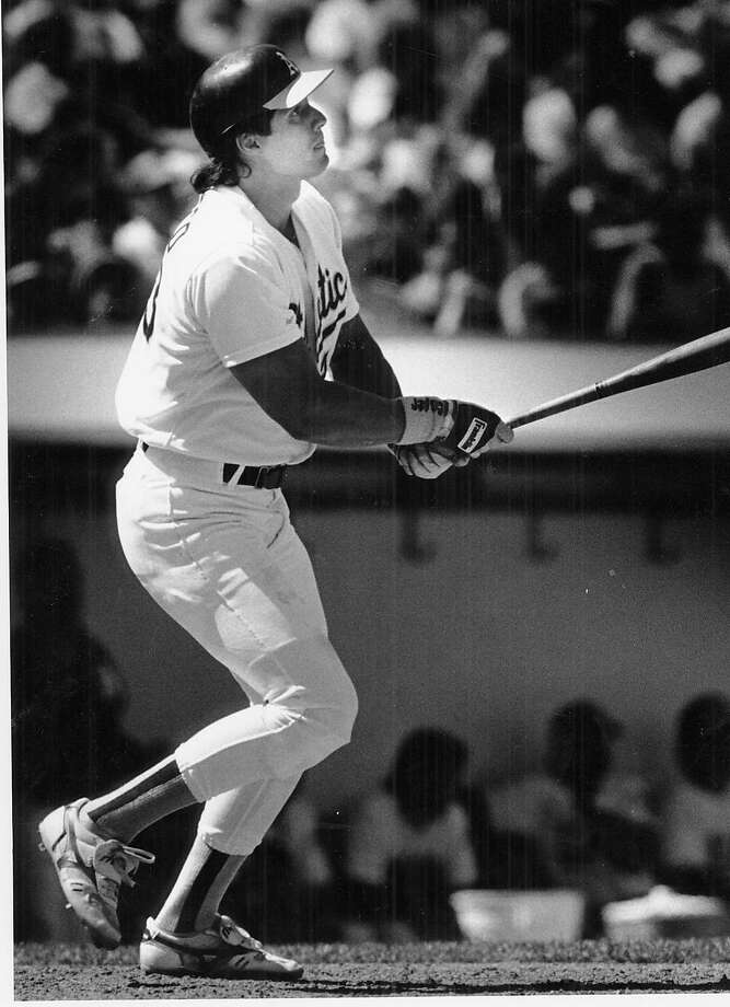 A'S-CANSECO/B/20AUG89/SP/BRANT WARD THE CHRONICLE JOSE CANSECO IN 8TH INNING AS HE HITS A 7TH HOMER OF THE YEAR. ALSO RAN 7/13/03