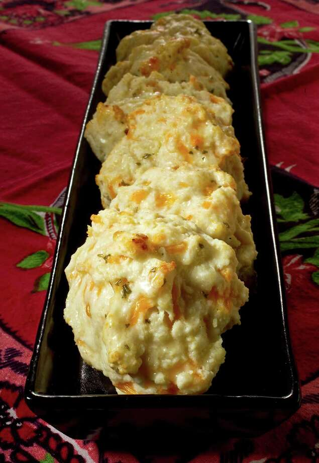 Cheddar biscuits from Red Lobster. Photo: Karen Warren / Houston Chronicle / © 2012  Houston Chronicle