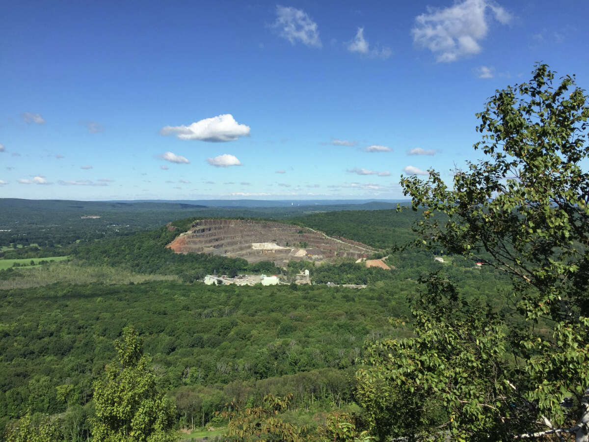 Chauncey Peak Trail - Meriden Length:2.2 Miles Elevation Gain:351 Feet Difficulty:Medium