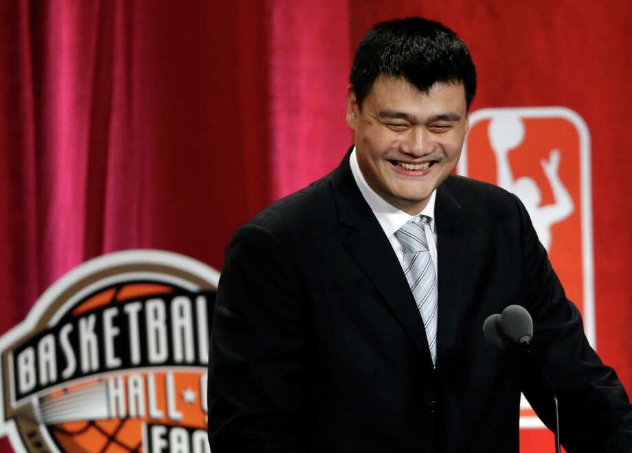 Rockets great Yao Ming had a host of people to thank during his Hall of Fame induction speech, including teammates, coaches and front-office personnel. Photo: Elise Amendola, STF / AP