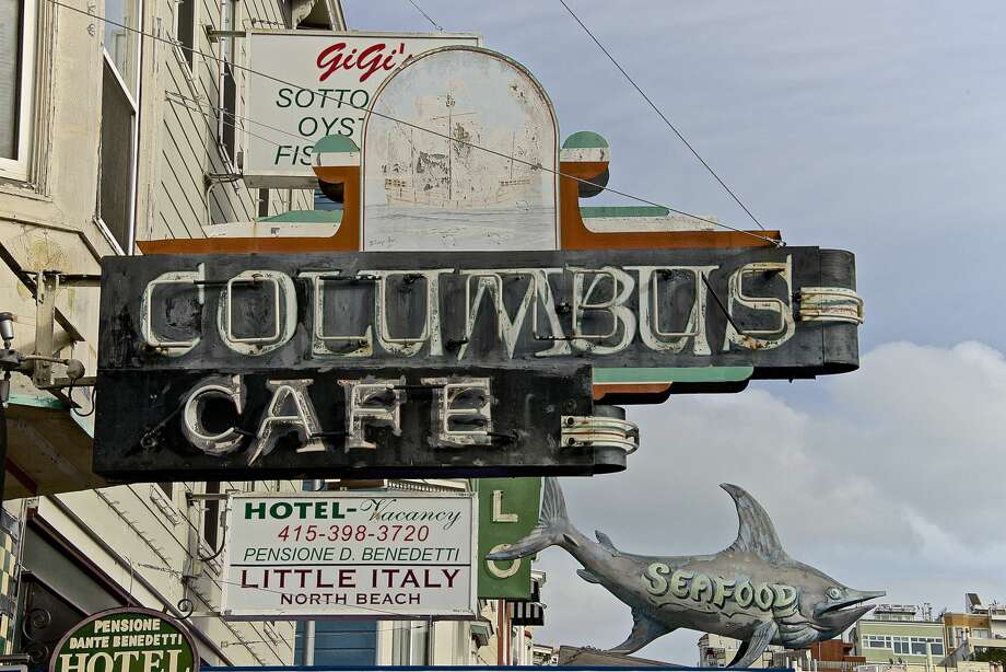 Columbus Café Address: 562 Green St (North Beach)   Food: No   Wi-Fi: No   Takes credit cards: Yes   Games: Plays all games   Notes: Though it can get busy on Friday and Saturday nights, this North Beach staple is not often busy on Sundays for the games. Grab slices at Tony's or Golden Boy when you get hungry. Photo: Flickr/ Scott Johnson