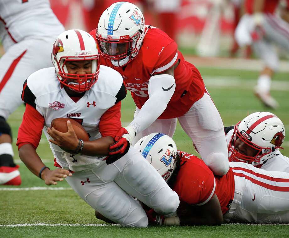 Quarterback Andrew Allen (2) will try to lead Lamar to its first Southland Conference victory on Saturday when the Cardinals face Central Arkansas. Photo: Brett Coomer, Houston Chronicle / © 2016 Houston Chronicle