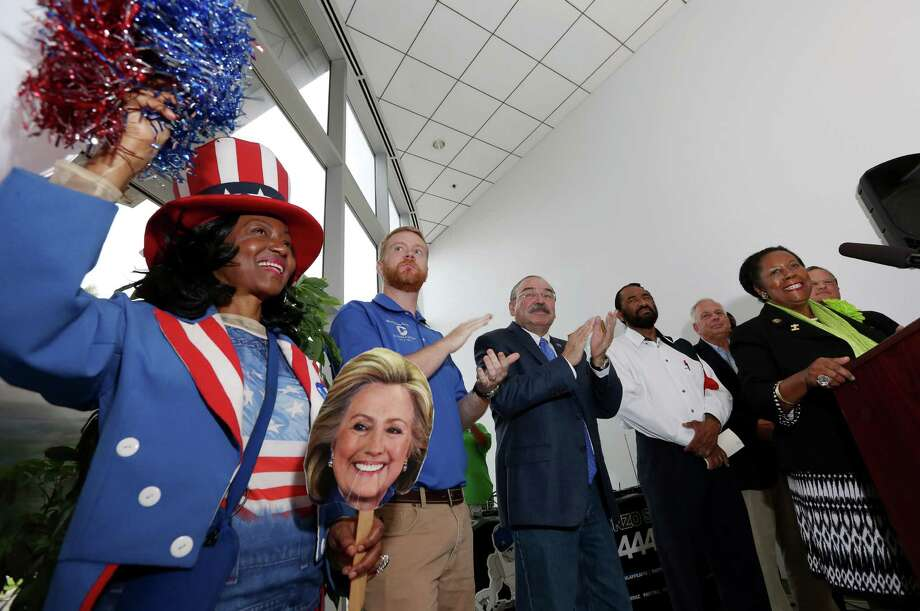 Texas Congresswoman Sheila Jackson Lee at at the grand opening of the a Democratic headquarters in Houston. She loves Clinton and America, but not Putin or Wikipedia. Photo: Yi-Chin Lee, Staff / © 2015  Houston Chronicle