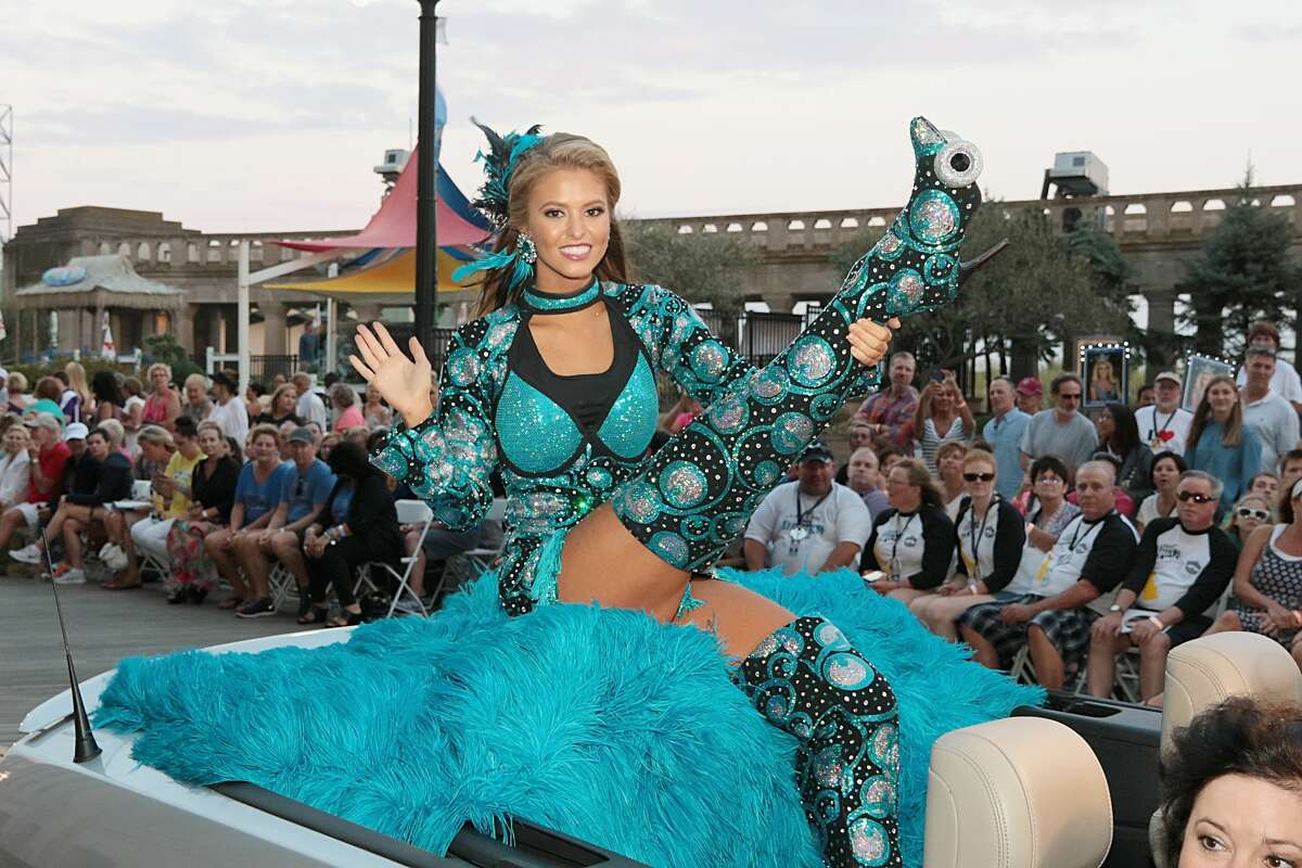 ATLANTIC CITY, NJ - SEPTEMBER 10: Miss South Carolina Rachel Wyatt appears during Miss America 2017 - Show Me Your Shoes Parade at Claridge Hotel on September 10, 2016 in Atlantic City, New Jersey. (Photo by Donald Kravitz/Getty Images)
