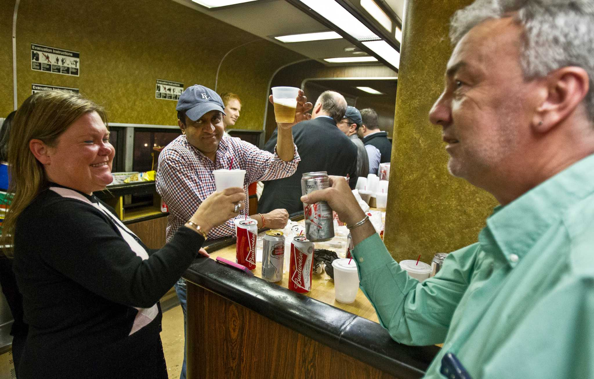 Sources Bar Cars Returning To New Haven Line Trains On
