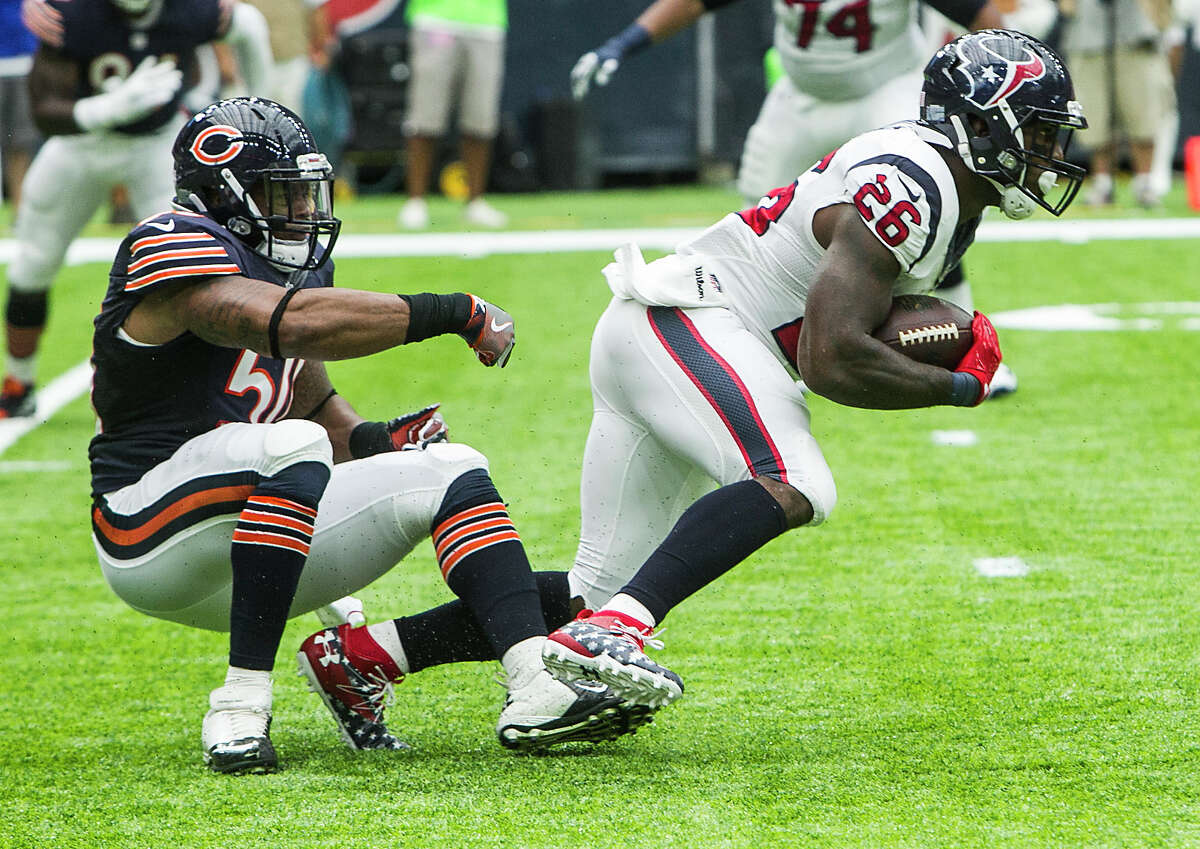 TEXANS MUST CONTROL CLOCK In their victory over the Bears, the Texans relied on running back Lamar Miller (28 carries, 32 touches) and some short completions by quarterback Brock Osweiler to control the ball for 36 minutes, 19 seconds. As long as Miller can handle that type of workload, he'll continue to get the ball. If a receiver wasn't open down the field, Osweiler checked down for and 4- or 5-yard completions. The best plan is to always keep Alex Smith and the Chiefs' offense on the sideline.