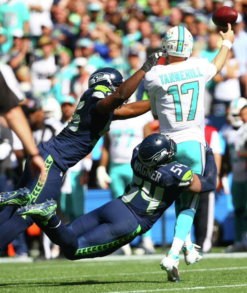 Seahawks DE Cliff Avril named NFC defensive player of month