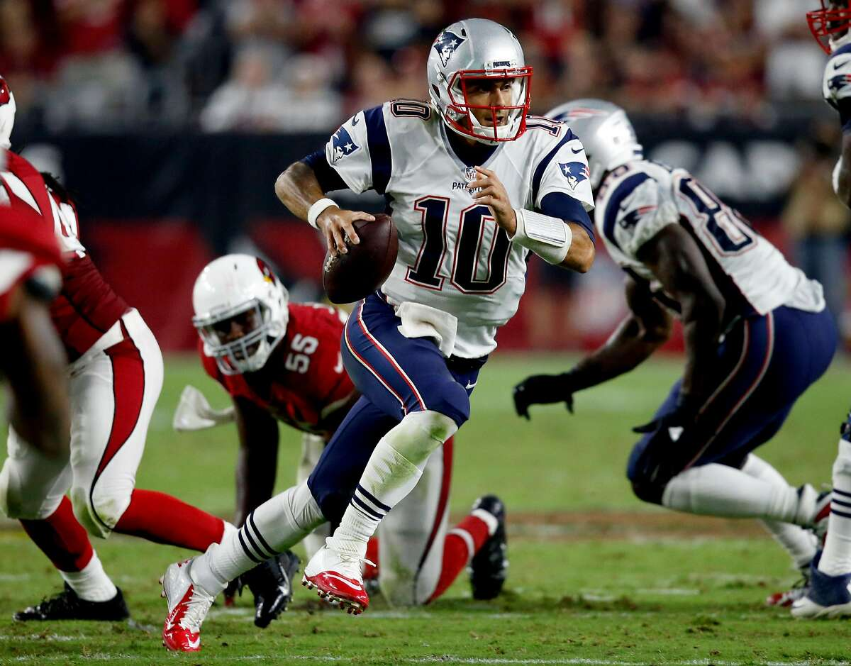 New England Patriots quarterback Jimmy Garoppolo (10) scrambles against the Arizona Cardinals during the second half of an NFL football game, Sunday, Sept. 11, 2016, in Glendale, Ariz.