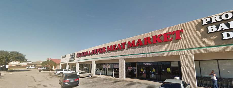 """Culebra Super Meat Market #16: 14100 Nacogdoches Road #172, San Antonio, TX 78233Date: 09/12/2017 Score: 68Highlights: Food not held at correct temperature; employee seen not washing hands correctly; inspector observed buildup of food debris on tongs used for bread; employee seen cracking raw eggs then handle ready-to-eat foods without changing gloves; poisonous/toxic materials seen stored near food areas; prepared foods must be marked with expiration date; broken ice scoop seen in rear kitchen area; employee seen handling food while wearing bracelets; bulk foods must be labeled properly; buildup of """"food grime and food debris"""" present on handles of meat-market walk-in cooler; grease droplets seen forming on vent hood above grill cooking area, food prep line Photo: Screenshot Via Google Maps"""