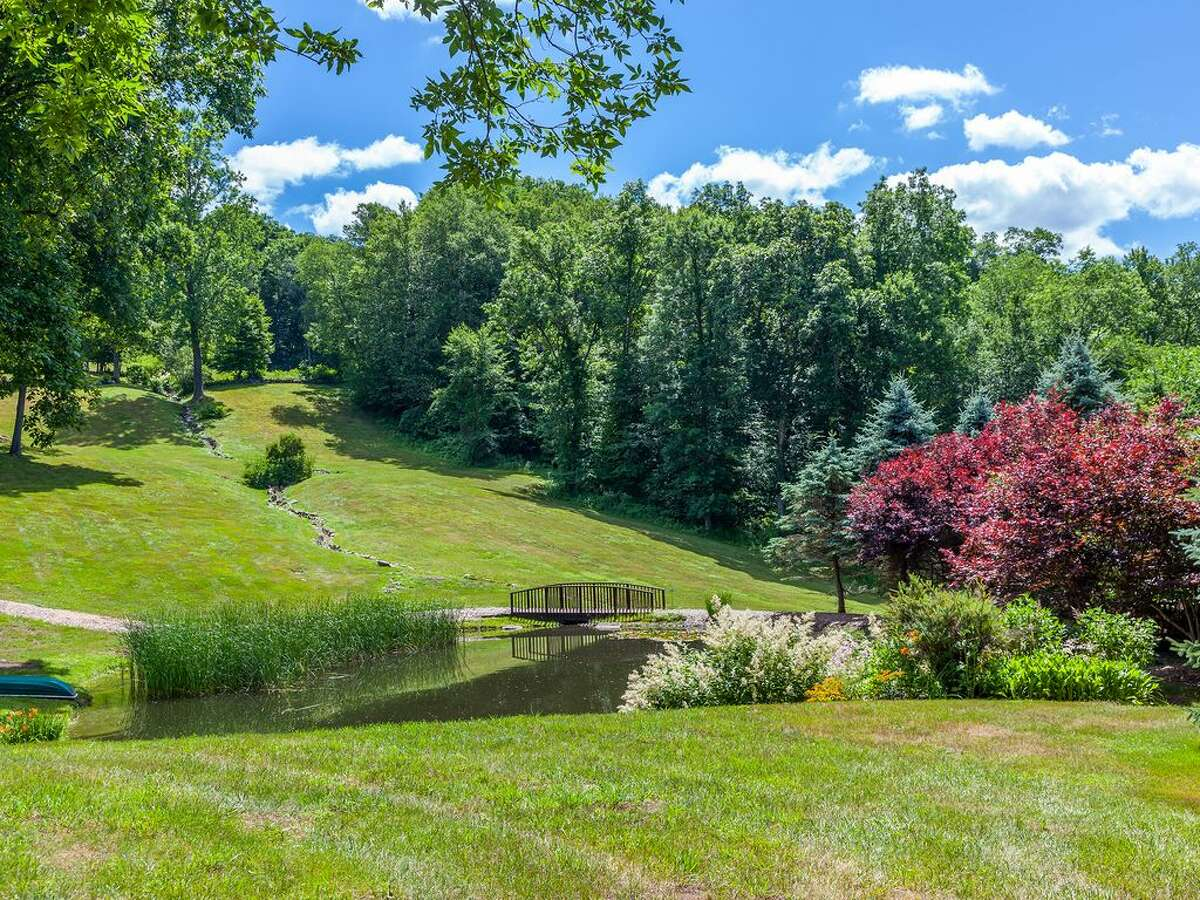 86 Roxbury Rd, Washington, CT 06793 Acres: 87.8 4 beds 5 baths 6,884 sqft Features: Deck with a freestanding catering bar, pool, tennis court, guesthouse, party barn View full listing on Zillow