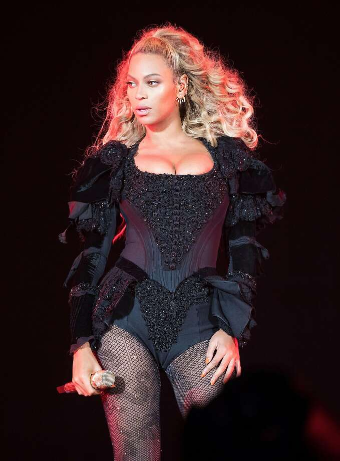 Beyonce performs during the Formation World Tour at Edwards Jones Dome on Saturday, September 10, 2016, in St. Louis, Missouri. Photo: Daniela Vesco, Associated Press