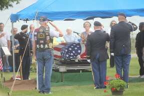 Community comes together for soldier's funeral