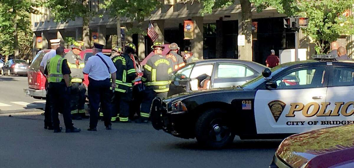 The city?•s most crash-prone intersection claimed more victims Monday. A grey sedan appeared to have run the light on State Street shortly after 5:15 p.m. and T-boned a maroon sports utility vehicle traveling southbound on Lafayette Boulevard.