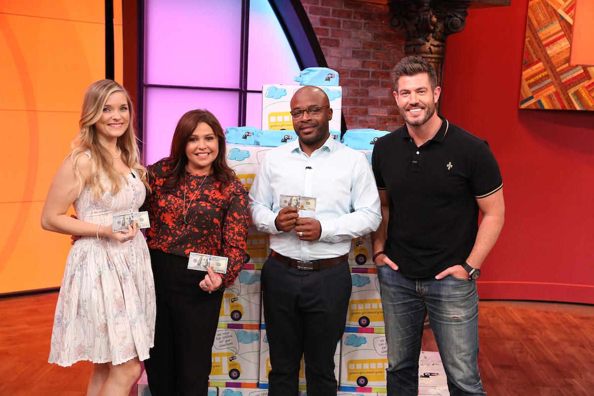 San Antonio Man S Gesture Inspires Tv Host Rachael Ray To