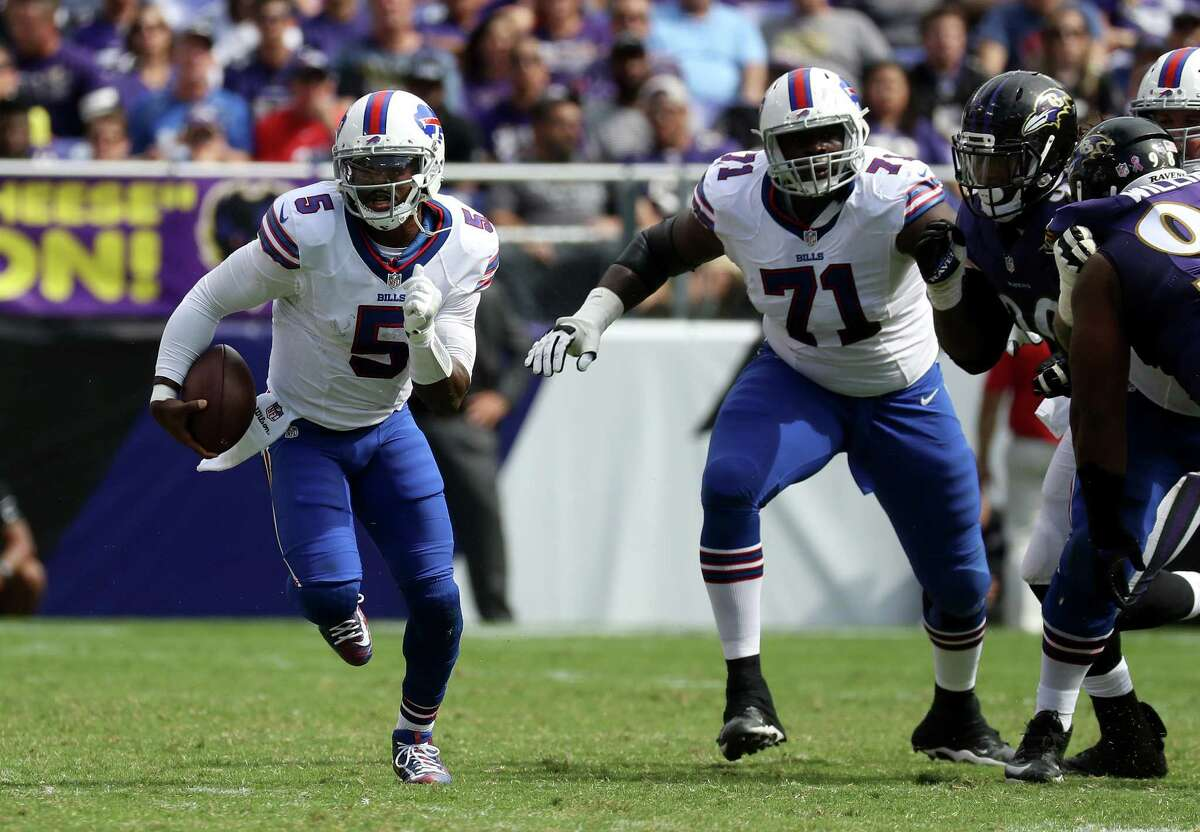 BALTIMORE, MD - SEPTEMBER 11: Quarterback Tyrod Taylor #5 of the Buffalo Bills with the ball in the second half of the Buffalo Bills vs. the Baltimore Ravens game at M&T Bank Stadium on September 11, 2016 in Baltimore, Maryland. (Photo by Rob Carr/Getty Images) ORG XMIT: 659044583