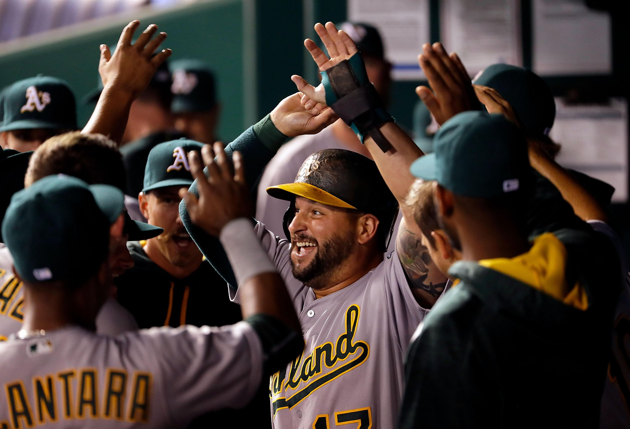 Yonder Alonso's 2-run pinch double leads A's past Royals ...