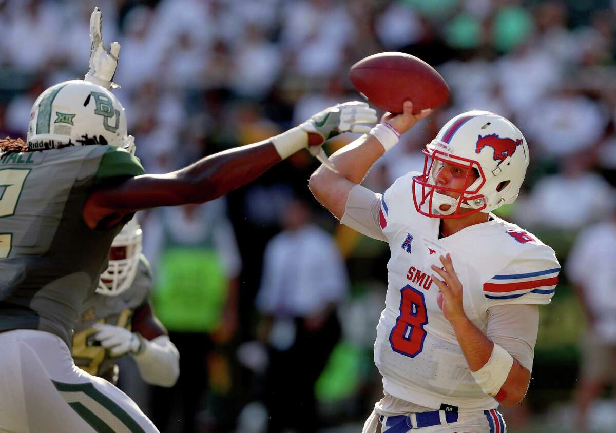 11. SMU (1-1): A week after knocking off North Texas, SMU fell to Baylor, 40-13. The score, however, doesn't indicate how tight the game was. SMU kept things close with Baylor for three quarters and went into the half tied at 6. Losing starting quarterback Matt Davis to a torn anterior cruciate ligament will hurt the Mustangs, but they proved that they are a much improved team in 2016. It's all up to new signal-caller Ben Hicks now. -EJ Holland, The Dallas Morning News