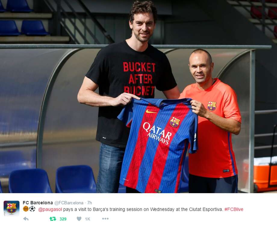 Spurs center Pau Gasol hanging with FC Barcelona in Spain. Photo: FC Barcelona/Twitter