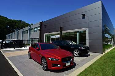 Land Rover Darien >> Jaguar Land Rover Shows Off New Darien Dealership Thursday