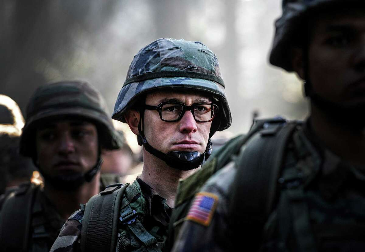 """This image released by Open Road shows Joseph Gordon-Levitt in a scene from, """"Snowden."""" (Open Road Films via AP) ORG XMIT: NYET808"""