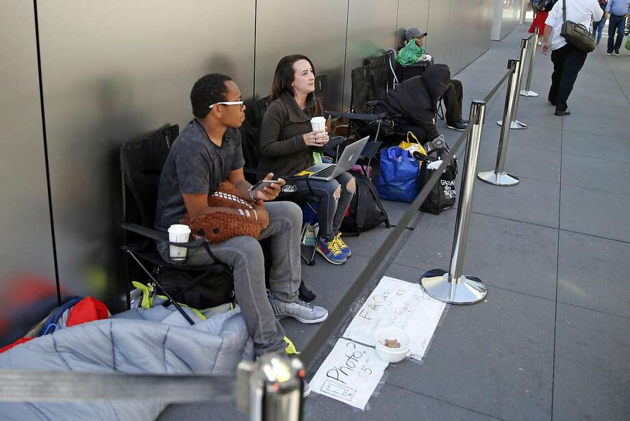 A small group of people wait in line at the Apple Store in Union Square in San Francisco, Calif., on Wednesday, September 14, 2016, in advance of the sale of the iPhone 7 on September 16th. Photo: Scott Strazzante, The Chronicle