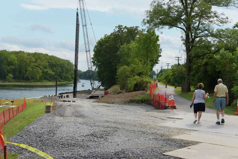 A view of the construction area where a concrete pad will be created near Lock 8 is seen here on Wednesday, Sept. 14, 2016, in Rotterdam, N.Y.  The pad is for a crane that will be installed to lift both turbines and generators onto a barge on the Erie Canal.    (Paul Buckowski / Times Union) Photo: PAUL BUCKOWSKI / 40038021A