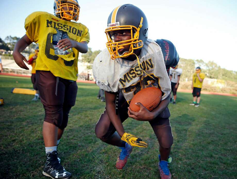 Mission High School football's Cheko Wells during practice in San Francisco, Calif., on Wednesday, September 14, 2016. Photo: Scott Strazzante, The Chronicle
