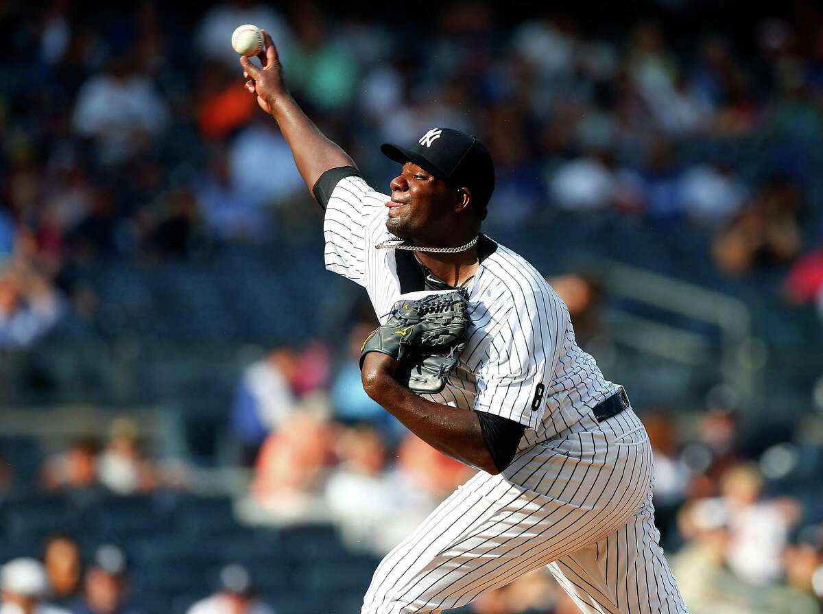 NEW YORK, NY - SEPTEMBER 14: Michael Pineda #35 of the New York Yankees pitches in the first inning against the Los Angeles Dodgers at Yankee Stadium on September 14, 2016 in the Bronx borough of New York City. (Photo by Jim McIsaac/Getty Images) ORG XMIT: 607685149