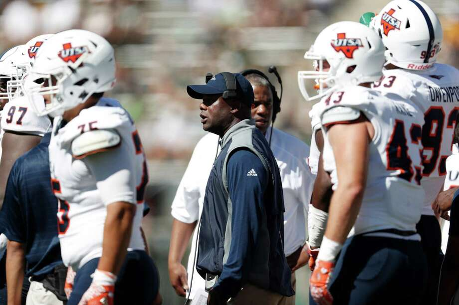 UTSA Roadrunners head coach Frank Wilson works the sideline during the first half against Colorado State on Sept. 10, 2016, in Fort Collins, Colo. Photo: David Zalubowski /Associated Press / AP