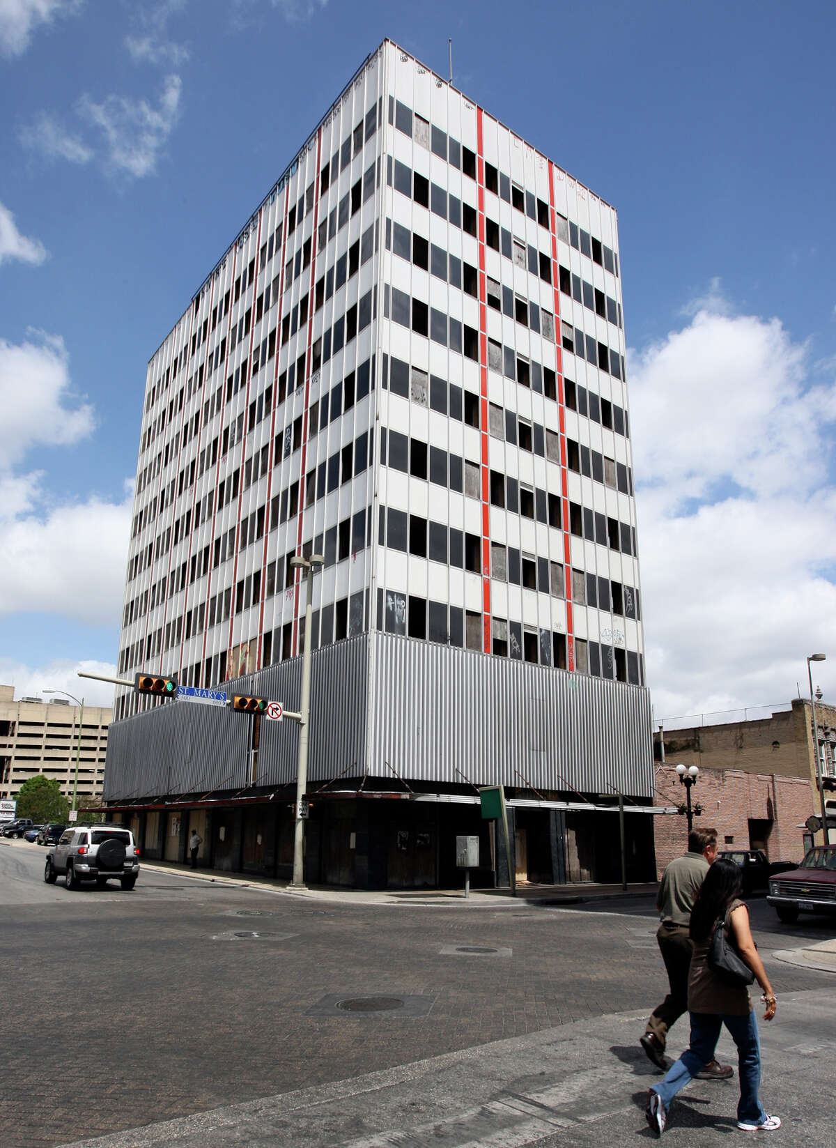 City officials say the vacant building policy has helped persuade the owners of the long-vacant Hedrick building at St Mary's and Martin streets to begin the process of redeveloping it.