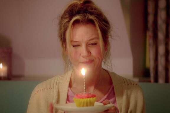 "This image released by Universal Pictures shows Renee Zellweger in a scene from ""Bridget Jones's Baby.""  (Universal Pictures via AP)"