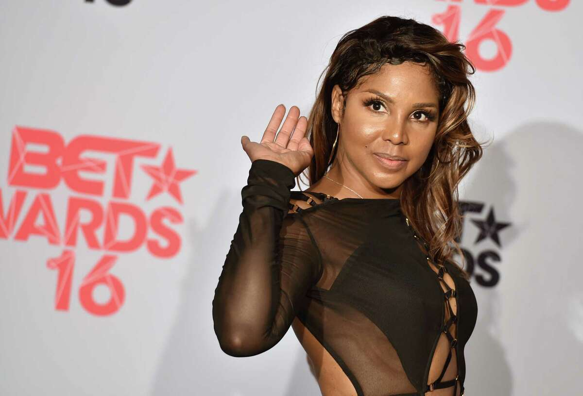 FILE - In a Sunday, June 26, 2016 file photo, Toni Braxton poses in the press room at the BET Awards at the Microsoft Theater, in Los Angeles. Grammy-winning singer raxton will be honored at the BMI R&B/Hip-Hop Awards in Atlanta, Thursday, Sept. 1, 2016. Braxton will receive the BMI President's Award on Thursday for her musical achievements. (Photo by Jordan Strauss/Invision/AP, File) ORG XMIT: NY108
