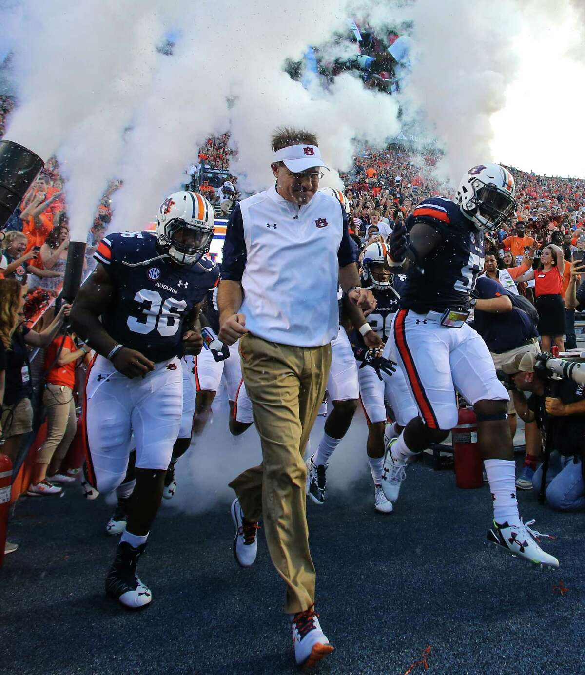 10 highest-earning college athletic programs in in the U.S. 10. Auburn Total revenue: $140,070,593 Total expenses: $124,864,399 Source: USA Today