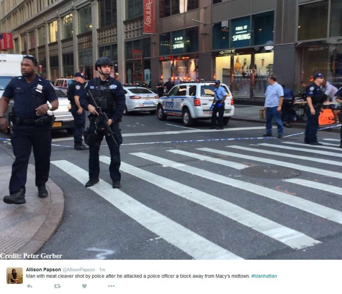Allison Papson ‏@AllisonPapson 1m1 minute ago Man with meat cleaver shot by police after he attacked a police officer a block away from Macy's midtown. #Manhattan