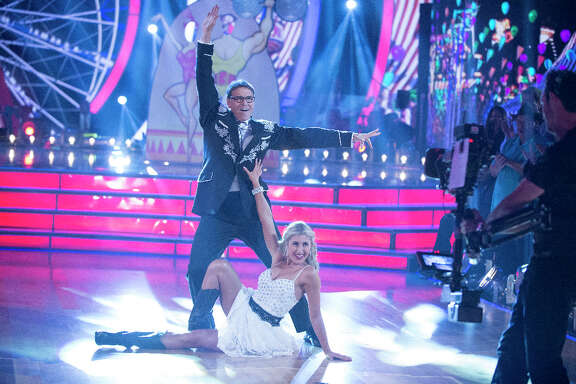 "Former Texas governor Rick Perry got off to a bumbling start on ""Dancing with the Stars."""