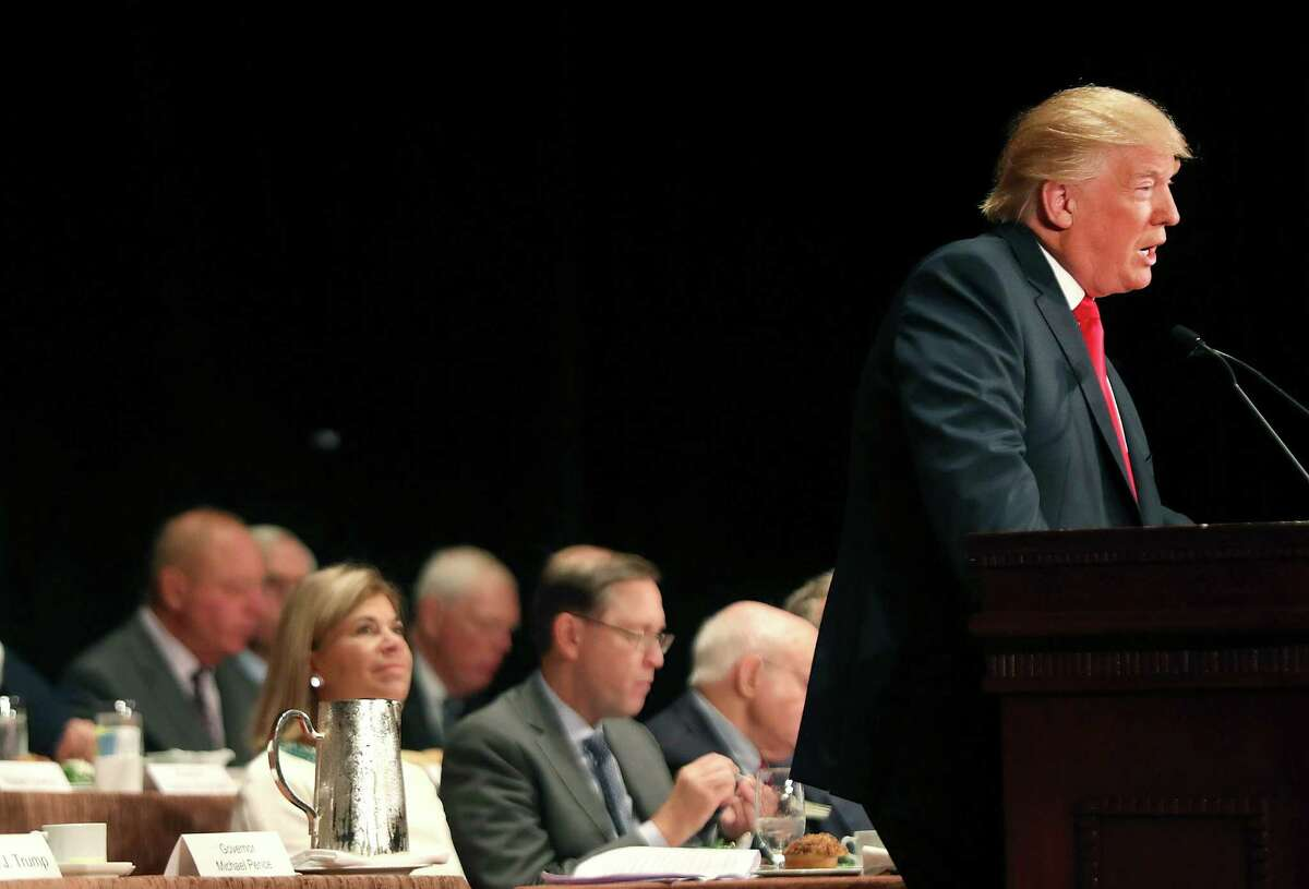 NEW YORK, NY - SEPTEMBER 15: Republican presidential candidate Donald Trump speaks at a lunch hosted by the Economic Club of New York on September 15, 2016 in New York City. According to a report by Oxford Economics, if Trump is elected to the White House growth in the US would be about 5 per cent lower than would otherwise be expected by 2021. (Photo by Spencer Platt/Getty Images)