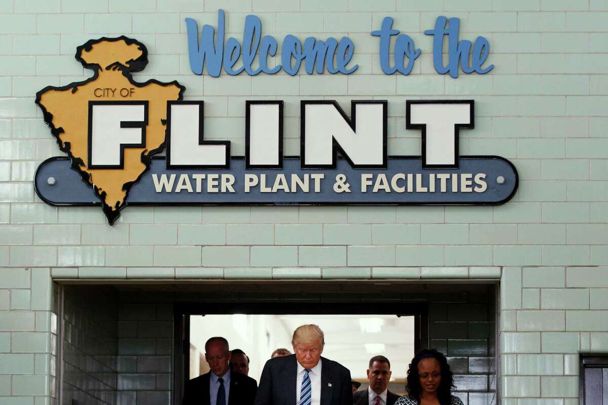 Republican presidential candidate Donald Trump tours the Flint Water Plant and Facilities, Wednesday, Sept. 14, 2016, in Flint, Mich. (AP Photo/Evan Vucci) ORG XMIT: MIEV114