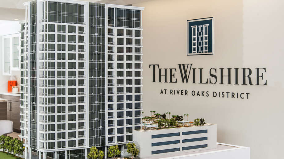 The Wilshire (model shown) offers indoor/outdoor fitness, lounge with bar and private dining, a 25,000-square-foot landscaped pool deck and 75-foot lap pool, wet deck, cabana rooms and covered grilling kitchen.