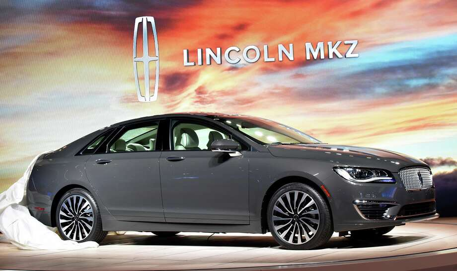 2017 Lincoln Mkz Quiet Potent Luxury With 400 Hp