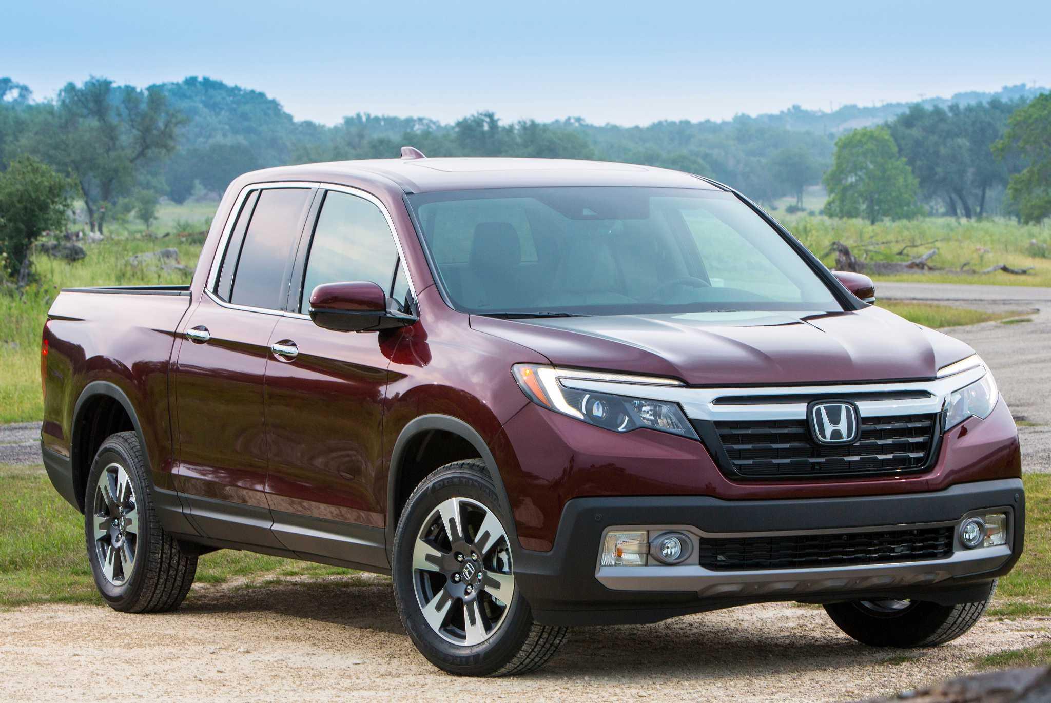 Honda reintroduces the Ridgeline pickup for 2017