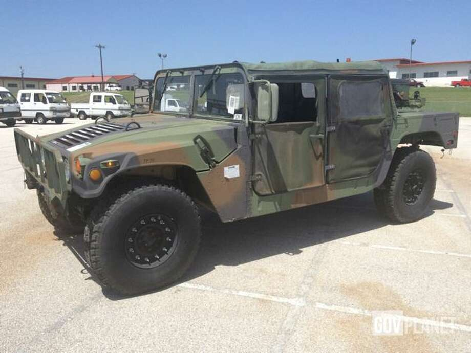 surplus military humvees for sale in san antonio across the u s for as low as 4k houston. Black Bedroom Furniture Sets. Home Design Ideas