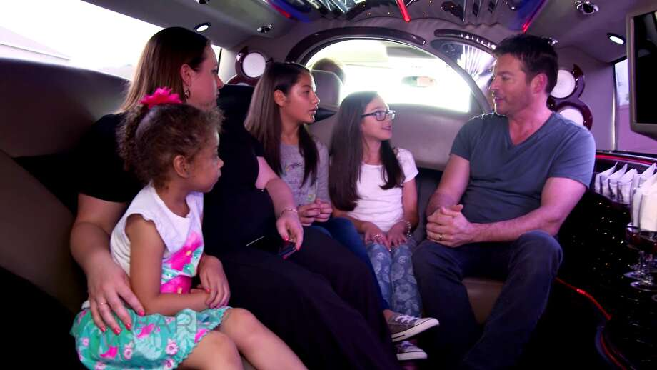 Singer and talk show host Harry Connick Jr. quizzes San Antonio girls about music during their limo ride together. Their fun segment will be featured on his talk show, 'Harry.' Photo: Courtesy WOAI-TV
