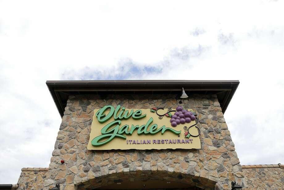 Olive Garden pasta passes went quickly. Photo: Elise Amendola, Associated Press