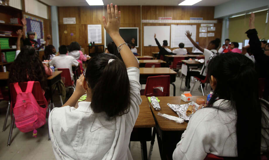 San Antonio Independent School DistrictAll school activities cancelled for Saturday, the district still plans for campuses, offices to be open on Monday.  Photo: John Davenport, Staff / San Antonio Express-News / ©San Antonio Express-News/John Davenport
